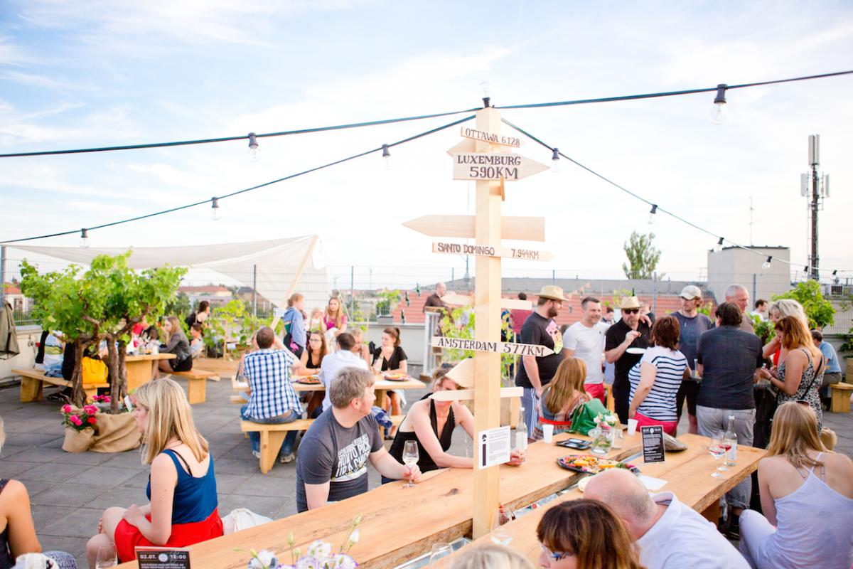 Colonia Nova - Rooftop winebar